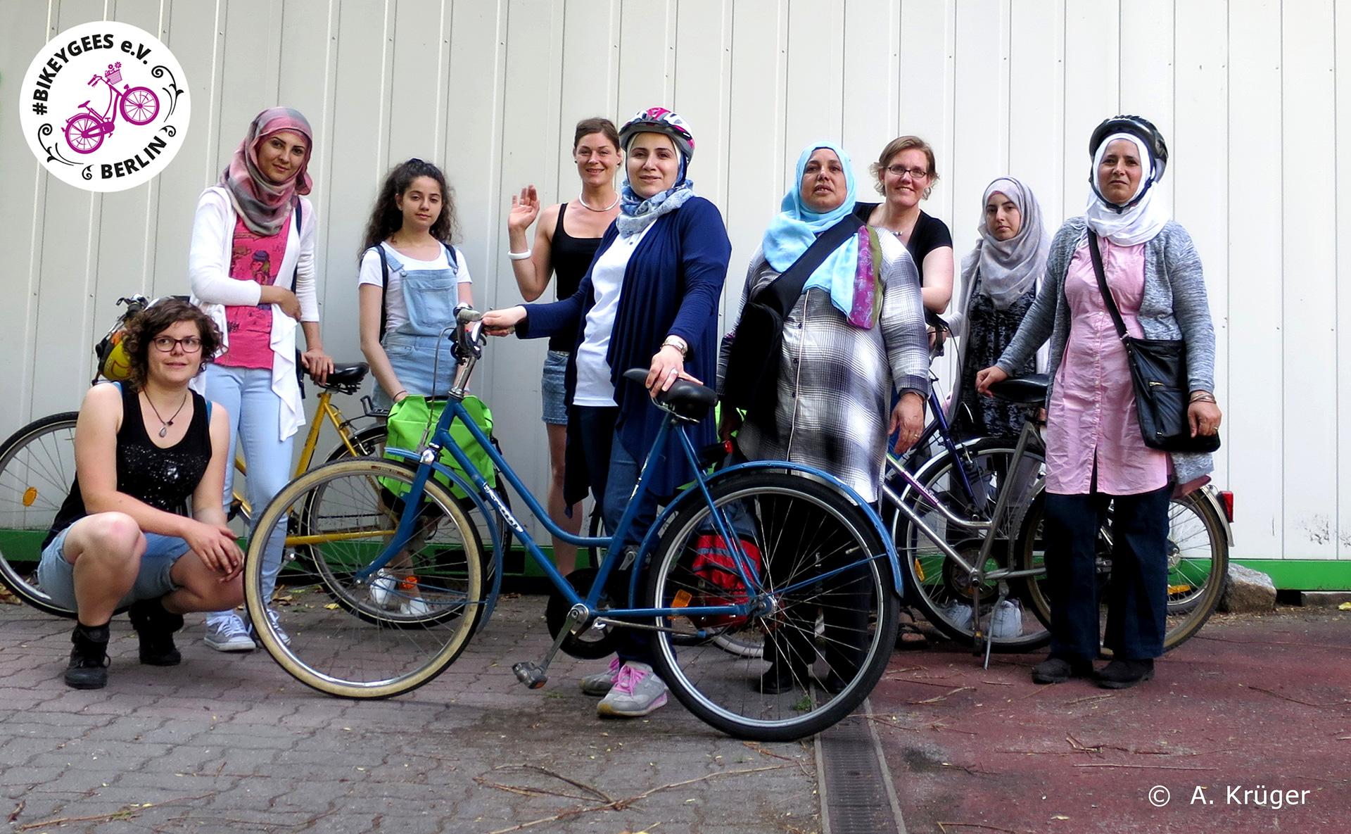 Übergabe eigener Radsets nach Radfahrtraining-Zyklus mit #BIKEYGEES
